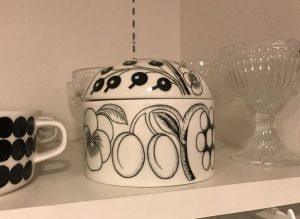 black-paratiisi-jar