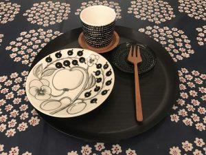 ブラックパラティッシでお菓子 paratiisi-dishes2