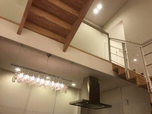 2階の廊下 red-living-and-skylight3