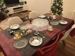 テーブルの上のkivi 2016-christmas-eve1