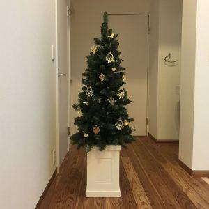 イエッテ・フローリッヒの素敵オーナメントを付けたクリスマスツリー fairy-tale-christmas-tree6