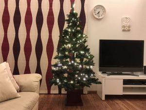 メインのクリスマスツリーにLED装着 gorgeous-tree4