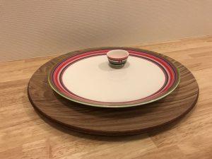 オリゴレッド26cmプレートとオリゴオレンジエッグボウル iittala-serving-platter9