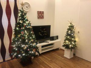 メインとサブのクリスマスツリー kahler-omaggio-poster5