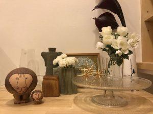 雑貨置き場と化している飾り棚風スペース todays-display-shelf1