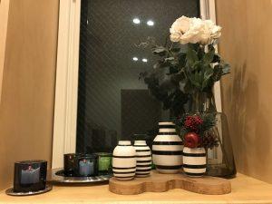 窓のある飾り棚風コーナー todays-display-shelf2